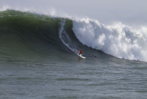 Mavericks Big Wave Final CB 2010