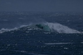 Getting Barreled at a new Open Ocean Reef offshore near CT Winter 14